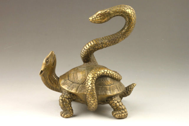 Elaborate Chinese Collectible Decorated Old Handwork Copper Snake Turtle Auspicious StatueElaborate Chinese Collectible Decorated Old Handwork Copper Snake Turtle Auspicious Statue