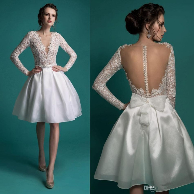 New Arrival Sexy Short Wedding Dresses Deep V-Neck Robe De Mariage Knee Length Ball Gown Long Sleeve Lace Bridal Gowns W1082
