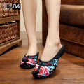 New Fashion Chinese Style cloud top of the shoe fashion embroidery red sexy retro women shoes sandals Leisure Comfort flip flops