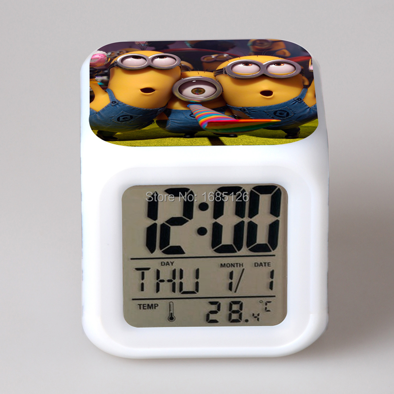 NEW Minions Digital Alarm Clock /& Desk Clock with Calendar /& Indoor Temperature