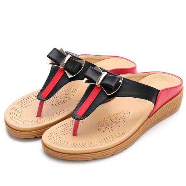 Sommer der Heißen frauen Strand Schuhe Böhmen Wasser Bohrer Flache Sohle Schuhe Bogen Sandalen Flip Flop Hausschuhe Süße
