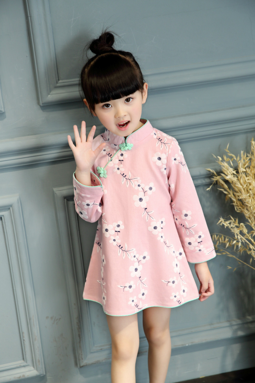 Girl's Chinese Dress. Size from 12month - 12 year old on selected styles Child Chinese outfit, baby Chinese clothing, baby Chinese clothes, baby Chinese dress, baby Chinese dresses, baby Chinese outfit, Chinese mirror, Chinese table runner, Chinese cushion cover, Chinese lipstick case, Children Chinese shoes, Children Chinese shoes.