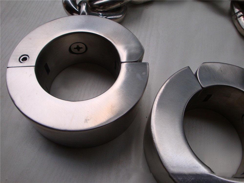 leg cuffs (4)