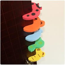 цена на 10Pcs Cute Animal Security Door Stopper Children Finger Protection Baby Kids Safety Card Lock Door Stoppers Home Decor