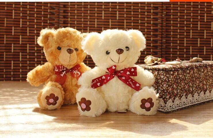 10 парчета сладка плюшена мечка играчка плюшена бяла и кафява плюшена мечка играчка с цвете на крака подарък кукла около 20cm 0512