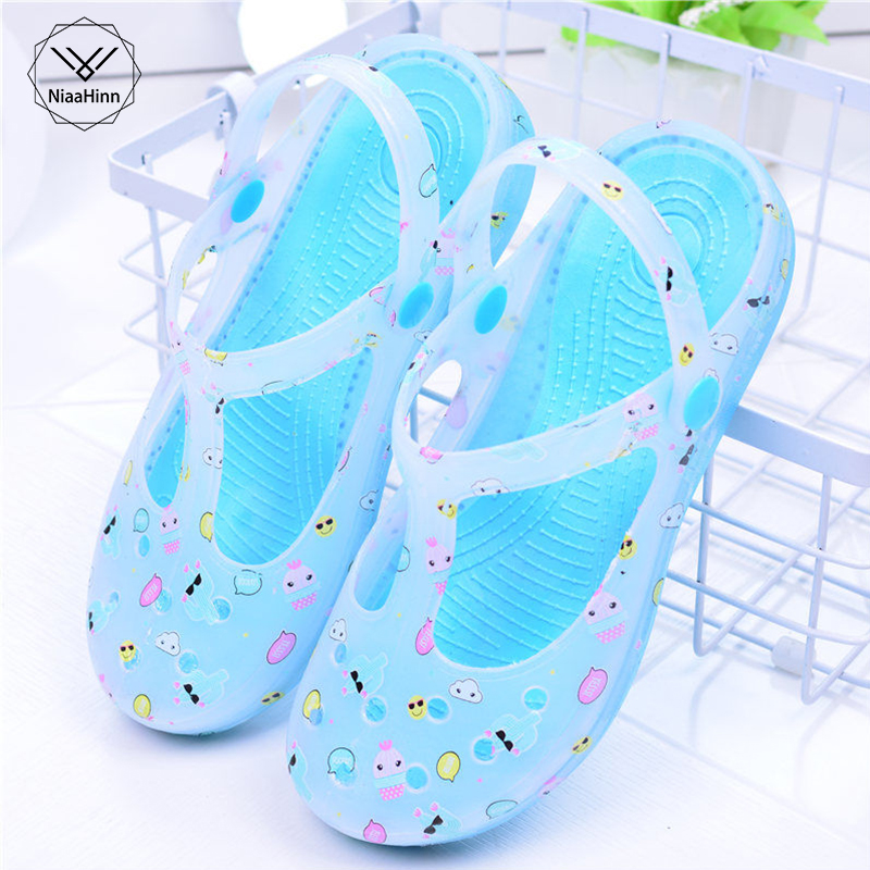 New Casual Nurse Work Shoes Soft Summer Women Footwear Hole Breathable Sandals Garden Shoes Beach Slippers Hospital Medical Shoe image
