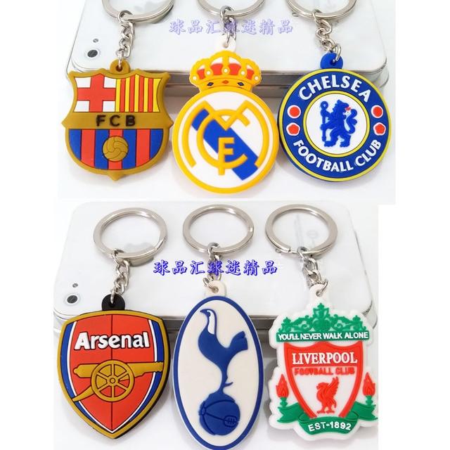 Football Club Logo CR7 C.RONALDO Messi Bale Salah Sanchez Keychain Toy  Sport Liverpool Soccer Star Fans Keychain Gift Women Mens 2667ac914b