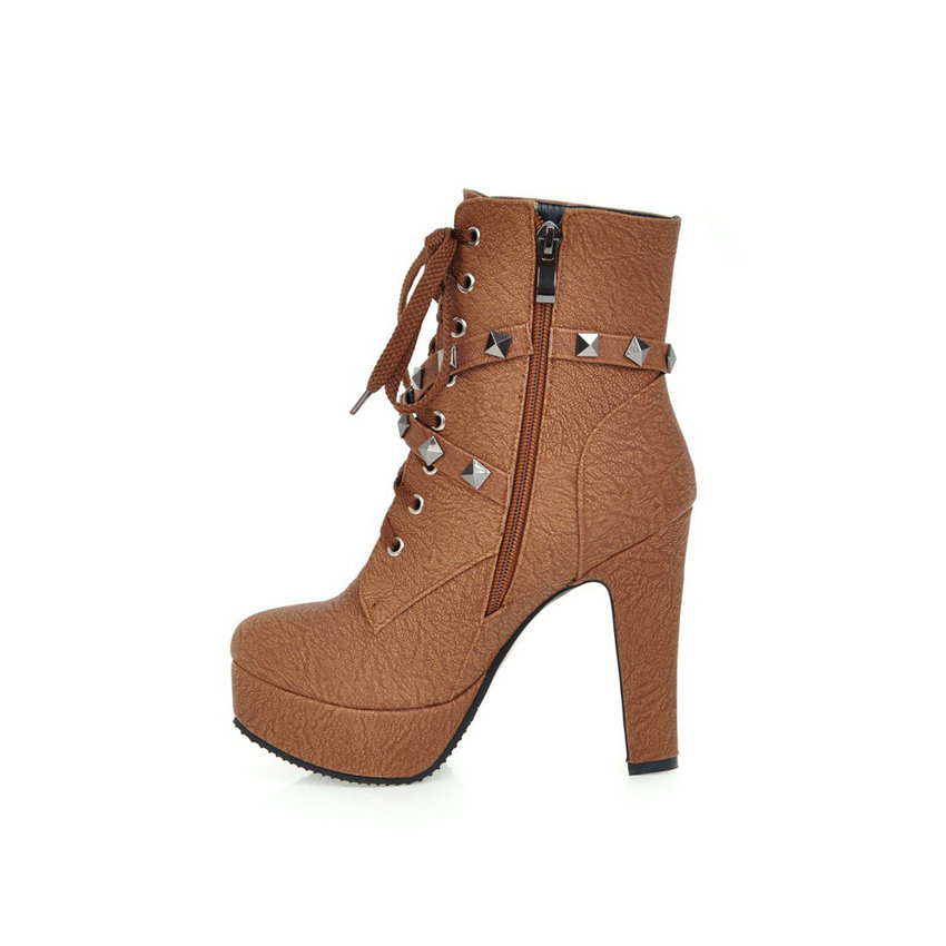 QUTAA 2018 Women Ankle Boots Rivet Design Round Toe Pu Leather Rubber Square High Heel Zipper Women Motorcycle Boots Size 34-43