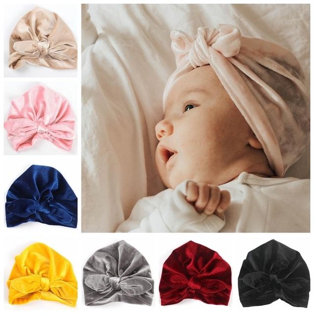 Yeni altın kadife Turban şapka bebek çocuklar için yenidoğan bere şık üst düğüm kulak şapkalar doğum günü hediyesi parti fotoğraf sahne