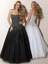 цена Ball Gown Quinceanera Dresses 2019 Shiny Beaded Black White Sweet 16 Dresses Strapless Prom vestido de 15 anos robe de bal doce