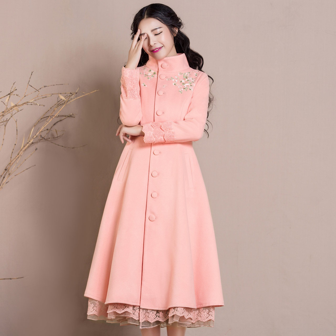 High Quality New Arrival Winter Women Embroidered Flower Long Wool Blends Coat Lady Slim Retro Sweet Pink Dress Coats Overcoat