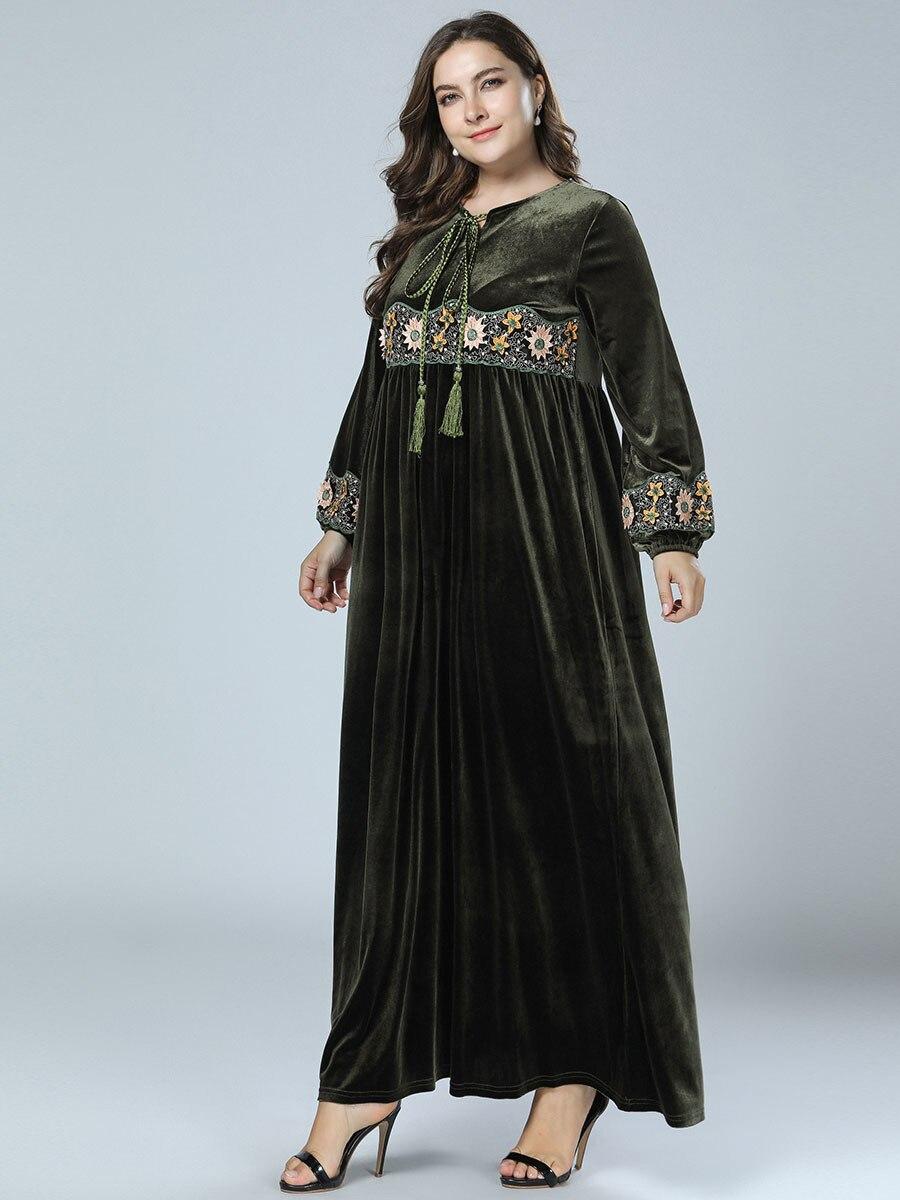 e2dcaf9cb5 US $31.62 49% OFF Velvet Abayas For Women Flowers Embroidery Tassel Muslim  Dress Kaftan Turkish Dubai Islamic Plus Size Clothing Amy Green Robe-in ...