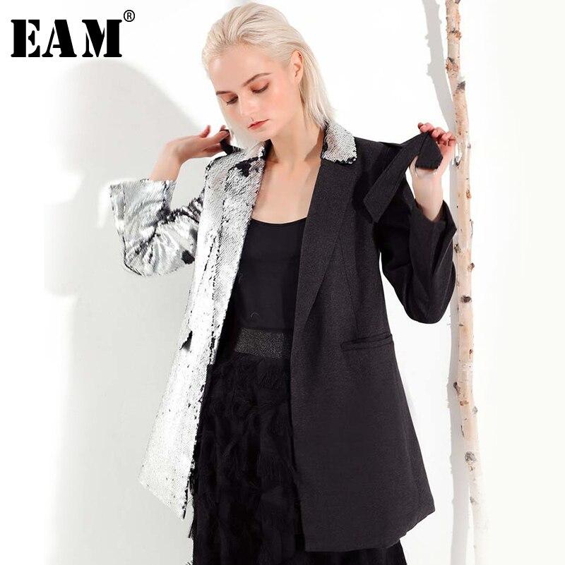 [EAM] 2019 Neue Frühling Revers Langarm Persönlichkeit Schwarz Pailletten Split Joint Verband Lose Mantel Frauen Mode JI99