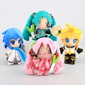 Anime 4 Estilos Vocaloid Hatsune Miku Kaito y Kagamine Len Cosplay Muñecos de Peluche Juguetes de Peluche 16-18 CM