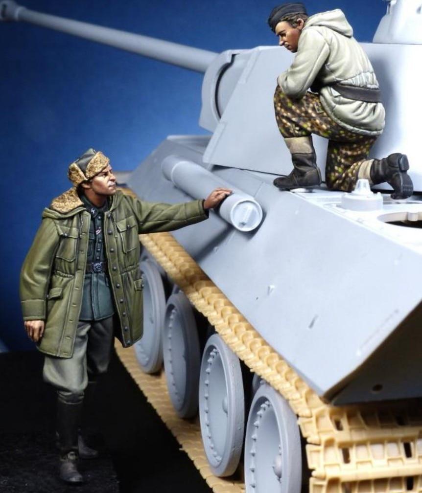 1/35 Resin Figure Model Kit Unassambled Unpainted 963(NO TANK 2 Figures)