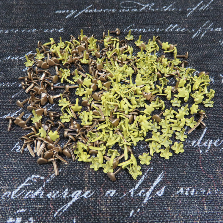 Free Shipping 500pcs Brown Yellow Heart Flower Shape Scrapbooking Brads Wholesale Promotion Price Home Decoration Crafts Brads