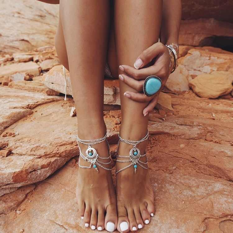 Anklets ผู้หญิงข้อเท้าสร้อยข้อมือเงินสี Hollow ดอกไม้สีฟ้าลูกปัดรองเท้าแตะเท้ารองเท้าแตะเครื่องประดับ Multilayers Tassel ขา