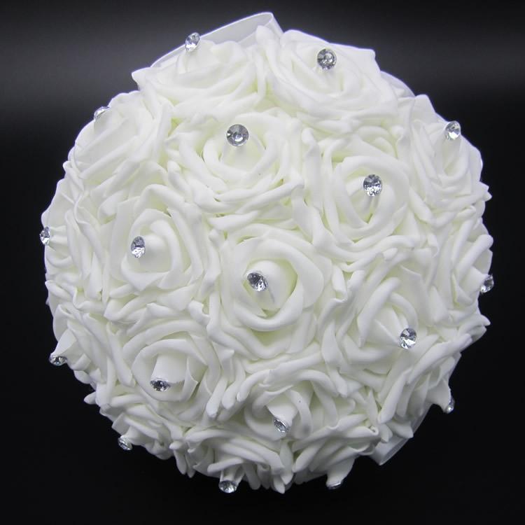 Lovely-White-Wedding-Bouquet-Bri