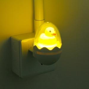 Image 3 - Màu Vàng dễ thương Vịt LED Đèn Ngủ Cảm Biến Ánh Sáng Điều Khiển Mờ Đèn Điều Khiển từ xa EU Cắm 220V cho Nhà Phòng Ngủ Trẻ Em trẻ em Quà Tặng