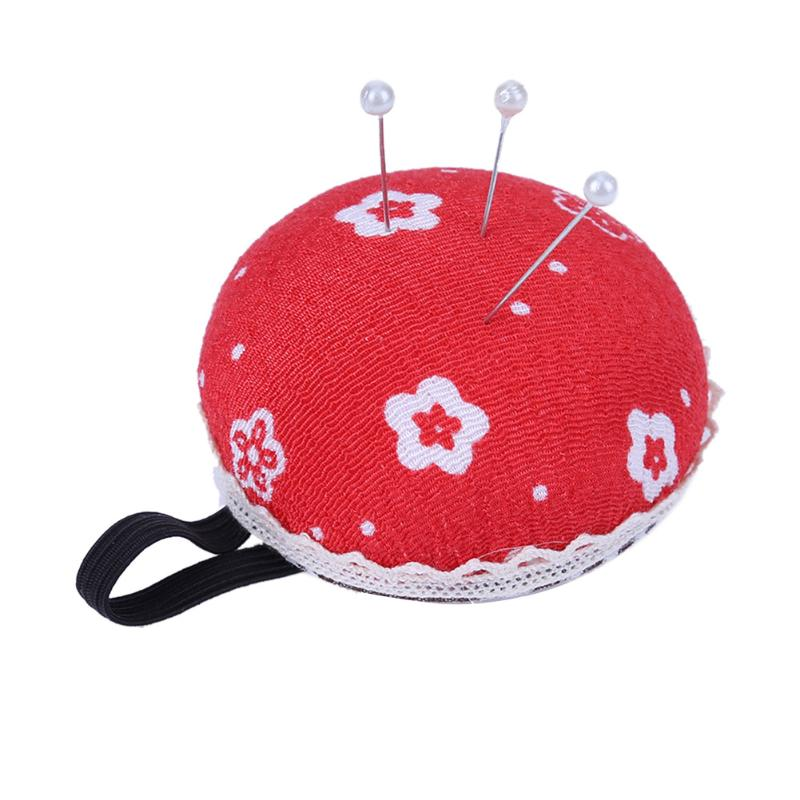 Pincushions DIY Inserting Needle Package Kit Needle Pins Organizer Handmade Needle Wrist Sewing Storage Bags (Random Color)