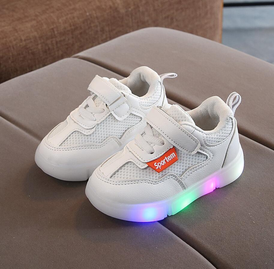 Kids Boys Girls Sports Sneakers Children Glowing Kids Running Shoes Chaussure Enfant Girls Canvas Shoes With LED Light Sneakers