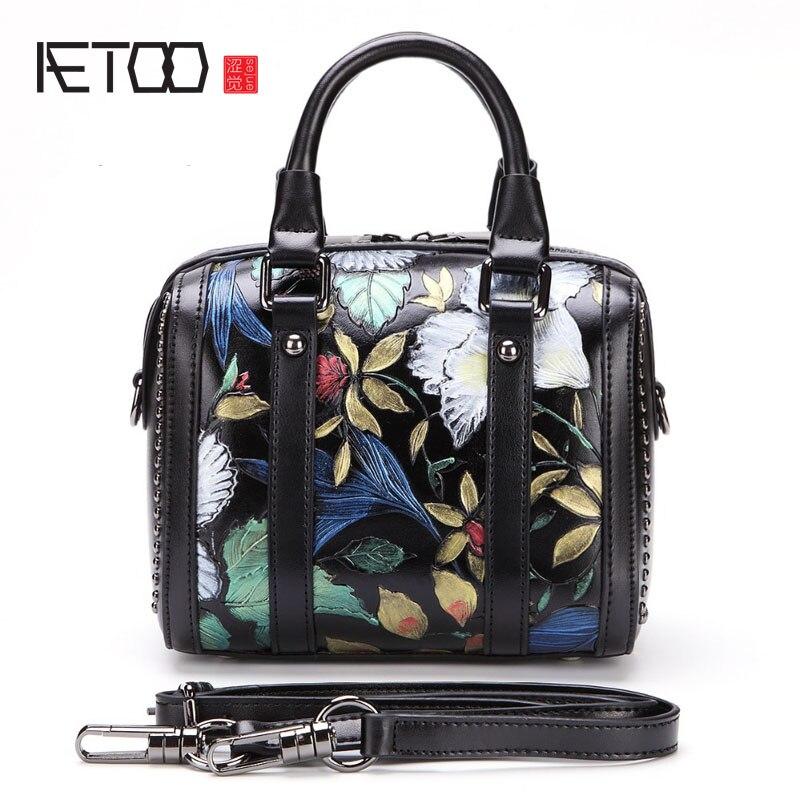 AETOO 2017 new ladies handbag split leather shoulder bag retro handmade embossed package fashion rivet boston handbag women