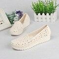 2017 Mujer de Moda Las Sandalias Dulce recorte Jalea Sandalias Planas Del Verano Zapatos de Las Mujeres 2 Colores Tamaño 36-41 3d25