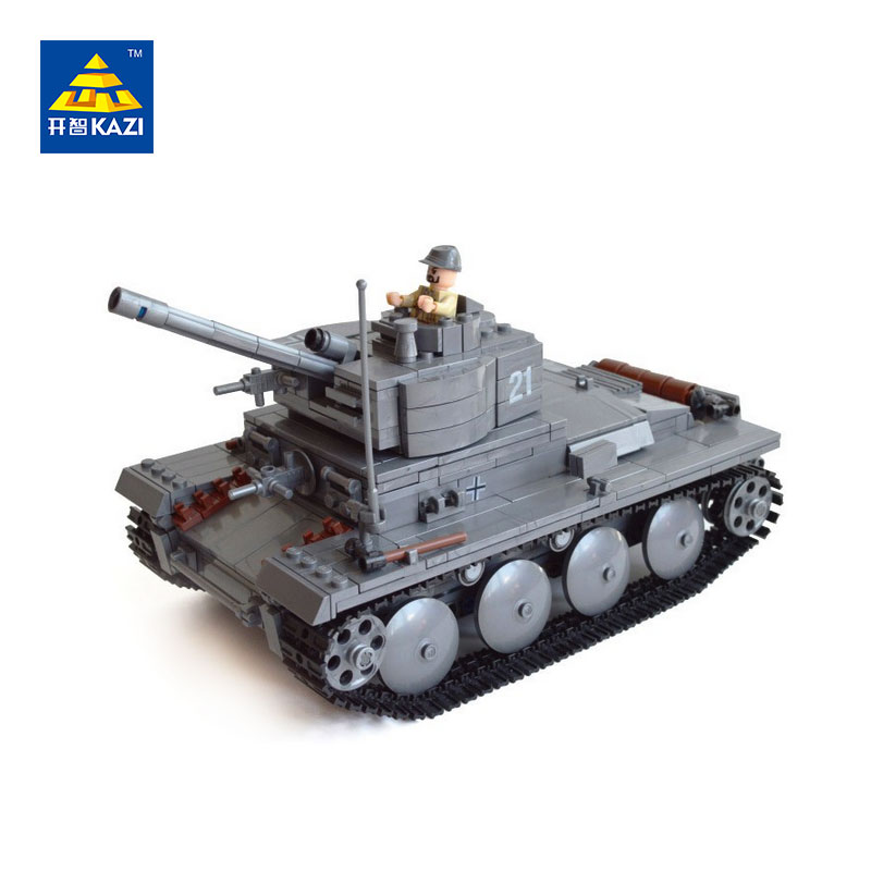 Фото KAZI New 82009 Century Military German Light Tank PzKpfw II Ausf L Luchs Building Block Armored Vehicle Model Toys for children