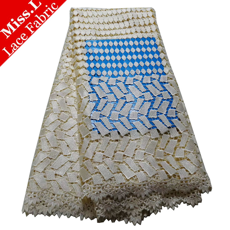 Hot Sale Embroidered African Water Soluble Lace 5 Yards/Pcs 2019 Fashion Guipure Lace Fabric High Quality For Lovely Long DressHot Sale Embroidered African Water Soluble Lace 5 Yards/Pcs 2019 Fashion Guipure Lace Fabric High Quality For Lovely Long Dress