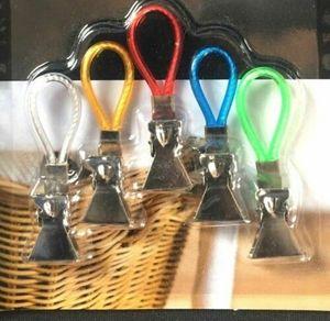 Image 2 - 5 piezas toalla de té colgante Clips de Metal 2x2,5x1,5 cm Clip de Metal en ganchos bucles toalla de mano clips colgantes para la playa del baño de la cocina