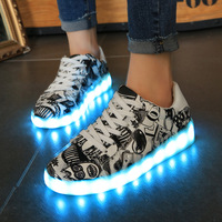 2017 New Kids Boys Girls USB Charger Led Light Shoes Poker Graffiti Luminous Sneakers Casual Shoes