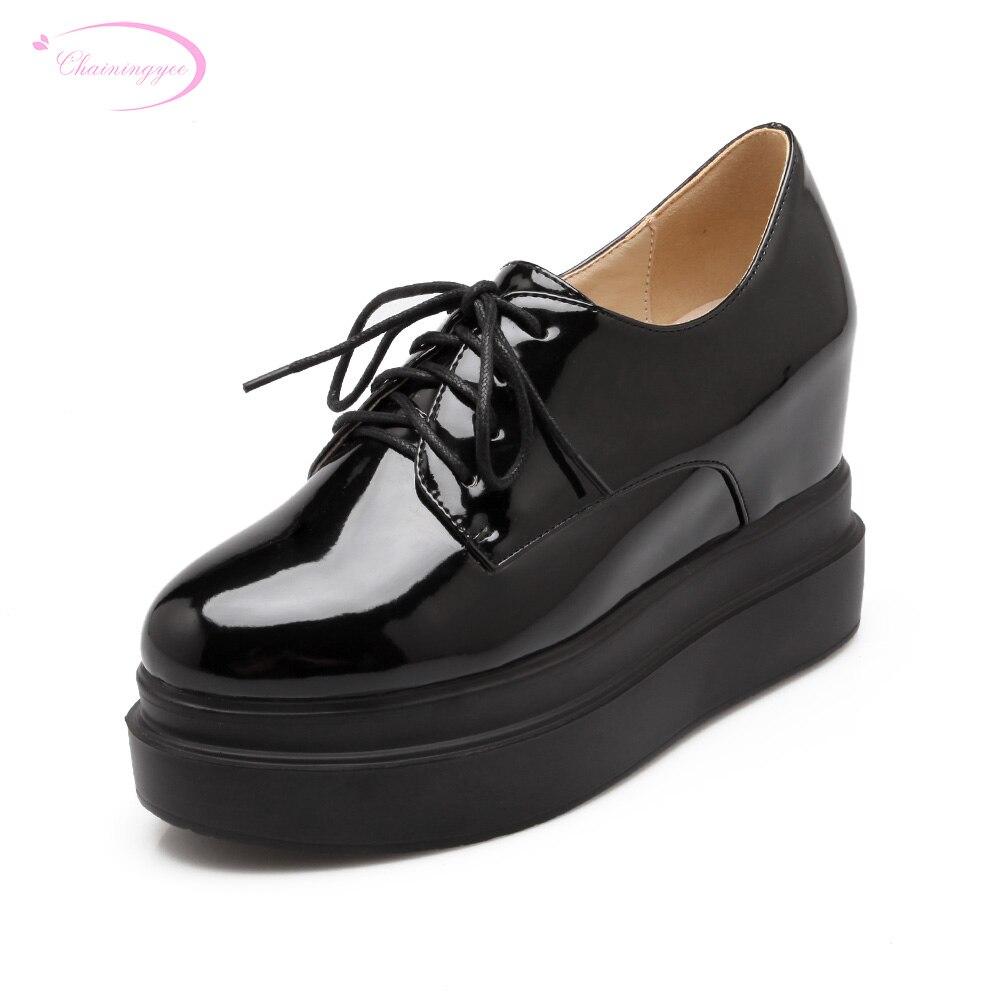83eee95b0 Chainingyee rua confortável moda dedo do pé redondo lace-up plataforma bege preto  crescente alta-sapatos de salto alto das mulheres