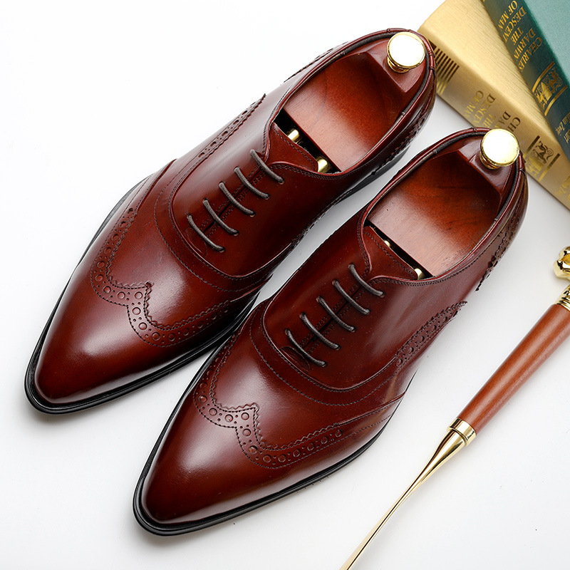 Genuine cow leather brogue business Wedding shoes men casual flat shoes vintage handmade oxford shoes for men 2019 black red 2016 men business genuine leather daily leisure oxfords casual crocodile wedding casual flat leather oxford men shoes