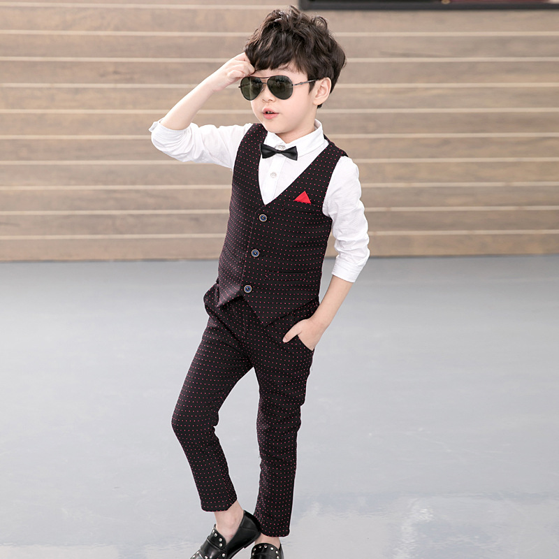 2019 New Design 2Pcs(Vest+pants) Boys Wedding Suit England Style Gentle Boys Formal Tuxedos Suit Boy Spring Clothing Set 3-10T2019 New Design 2Pcs(Vest+pants) Boys Wedding Suit England Style Gentle Boys Formal Tuxedos Suit Boy Spring Clothing Set 3-10T