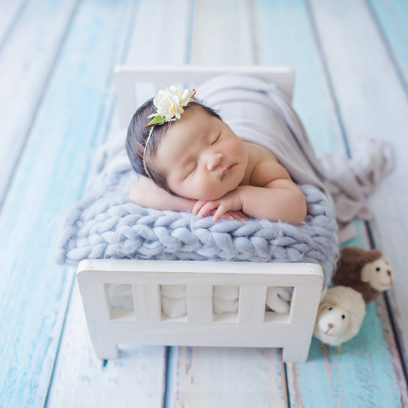 Newborn Props for Photography Wood Bed Newborn Posing Baby Photography Props Photo Studio Crib Props for Photo Shoot Posing Sofa in Hats Caps from Mother Kids
