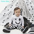 Humor Urso Do Bebê da Mola Do Bebê Conjuntos de Roupas Meninos Rosto Sorridente Longo-sleeved + Tarja Calças de Algodão Do Bebê Recém-nascido Meninos Conjuntos de roupas
