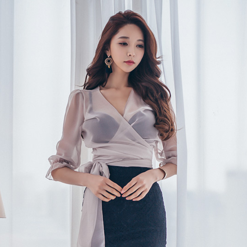 Summer Transparent Bow Belt   Blouse     Shirt   Sexy V-neck Flare Sleeve Women   Blouses   2018 Casual Tops chemise femme high quality