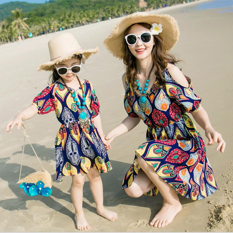 2018 summer style off shoulder girls dress kids sundress mom and daughter dress family clothes fashion women dresses for beach women fashion off the shoulder slim fit dress