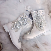 White Women Shoes Mid calf Martin Boots with Crystal Rhinestone Flowers Pearl Tassle Square Heel for Girl Lady