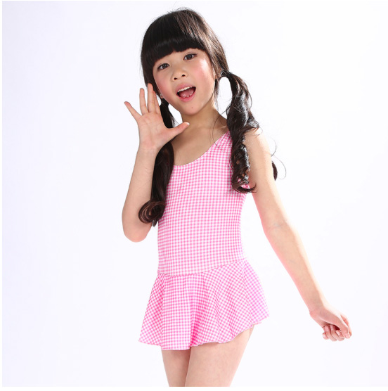 5bf48f616dfcf 2017 New Europe and American Children swimsuit Girls one piece Pink small  spot Girls bathing suit wholesale-in Two-Piece Separates from Sports ...