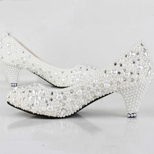2015 Fashion Lady Dress Shoes Woman Bridal Wedding Shoes Pearl Low Heel Gown Shoes White Comfortable Bridesmaid Shoes
