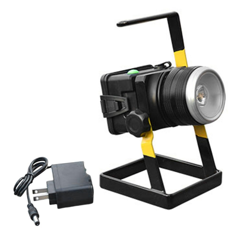 T6LED Floodlight Rotating Zoom Lamp Rechargeable Projection Lamp With Holder + Charging + Batteries 2017 NEW Version New