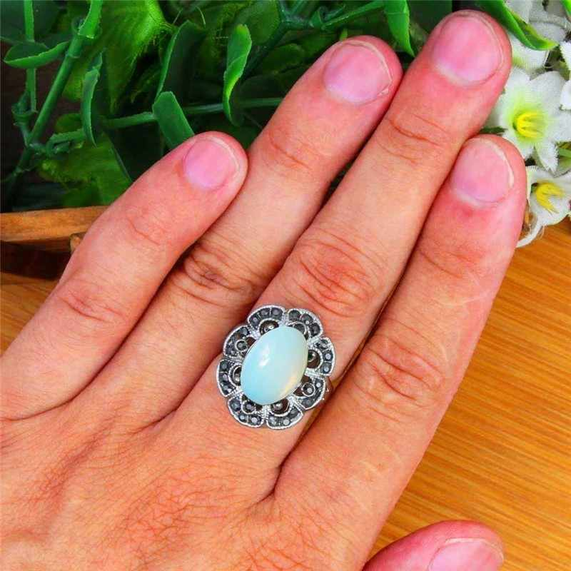 รูปไข่ใสโอปอลแหวนโบราณ Silver Plated Rhinestone พลัมดอกไม้ Vintage เครื่องประดับ TR706