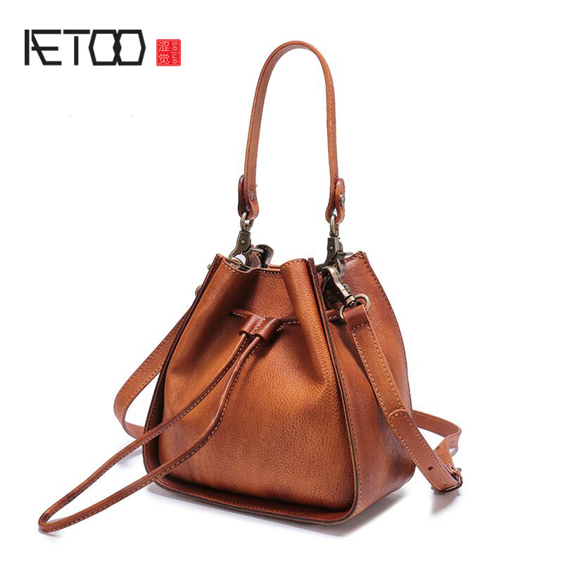 AETOO Leather bag 2017 new leather buckets package female Messenger bag small simple pumping belt wild shoulder bag female jialante 2017 new lizard leather bag is made of simple small shell bag customized for 15 days