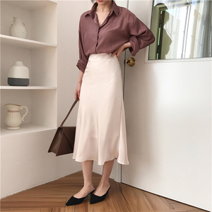 Image 2 - Женская длинная шелковистая юбка, летняя элегантная однотонная трапециевидная юбка миди на молнии с высокой талией