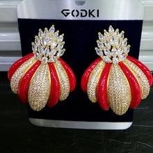 GODKI الفاخرة العصرية تاج تصميم القطاع شعبية القرط للنساء الزفاف فريد الكامل مكعب الزركون تشيكوسلوفاكيا القرط مجوهرات