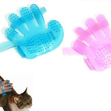 2018 New Pet Dog Cat Fingers Brush Hand Shampoo Grooming Bath Massage Glove Brush Comb(China)