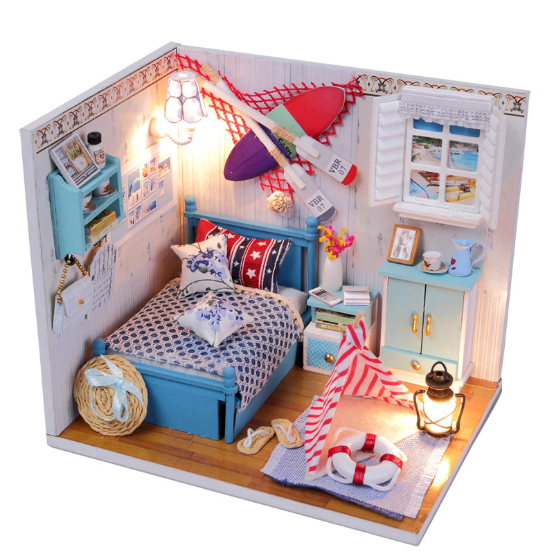 Summer Little Doll Houses Kids Wooden Christmas Furniture Miniatura DIY Doll House Girls Living Room Decor Craft Toys T30