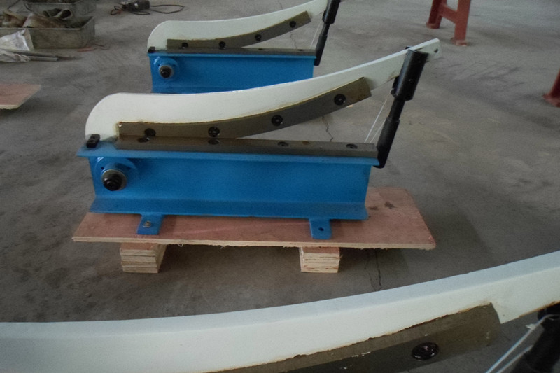 цена на 500*1.5 hand guillotine shear hand cutting machine manual shear machinery tools