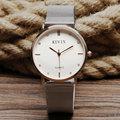 ¡ Venta caliente! alta Calidad Vestido de Las Mujeres Relojes de Moda Banda de plata Top Marca de Lujo Reloj de Señoras Espejo de Mármol de Cuarzo Manecilla Del Reloj Q13